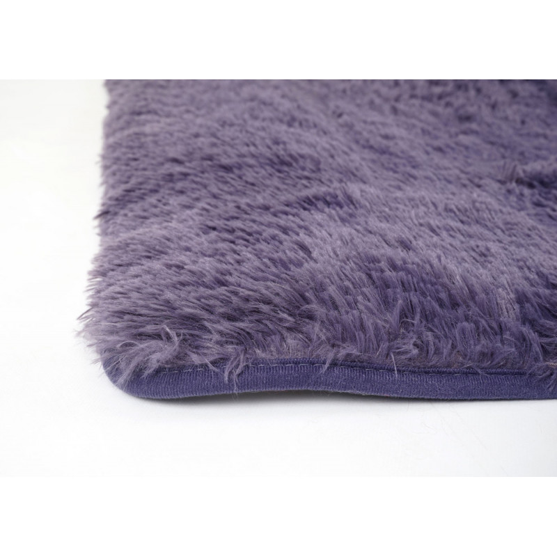 Tapis violet  nino a poils longs